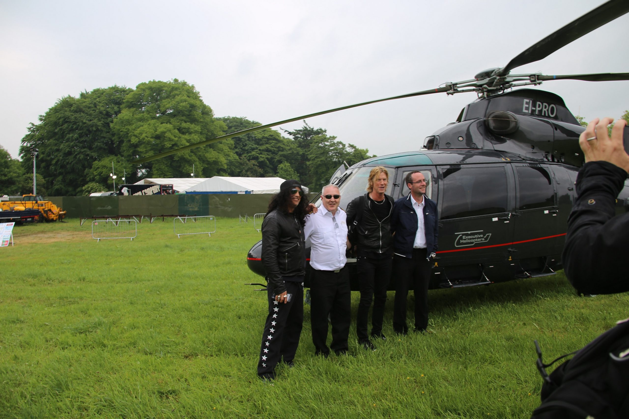 Metallica Slane Castle Band transfer by Helicopter